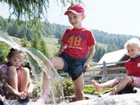 Foto Kinder im Wasser