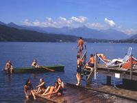 Badevergnügen am Millstättersee