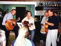 Gäste beim Musizieren